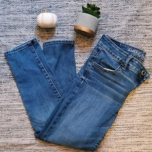 AE High Rise Crop Jeans size 4
